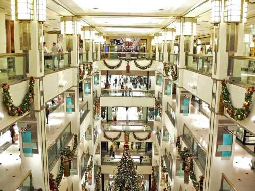 crowded-shopping.jpg
